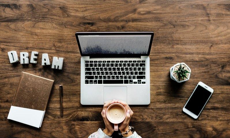 laptop image for online business startup basics training workshops